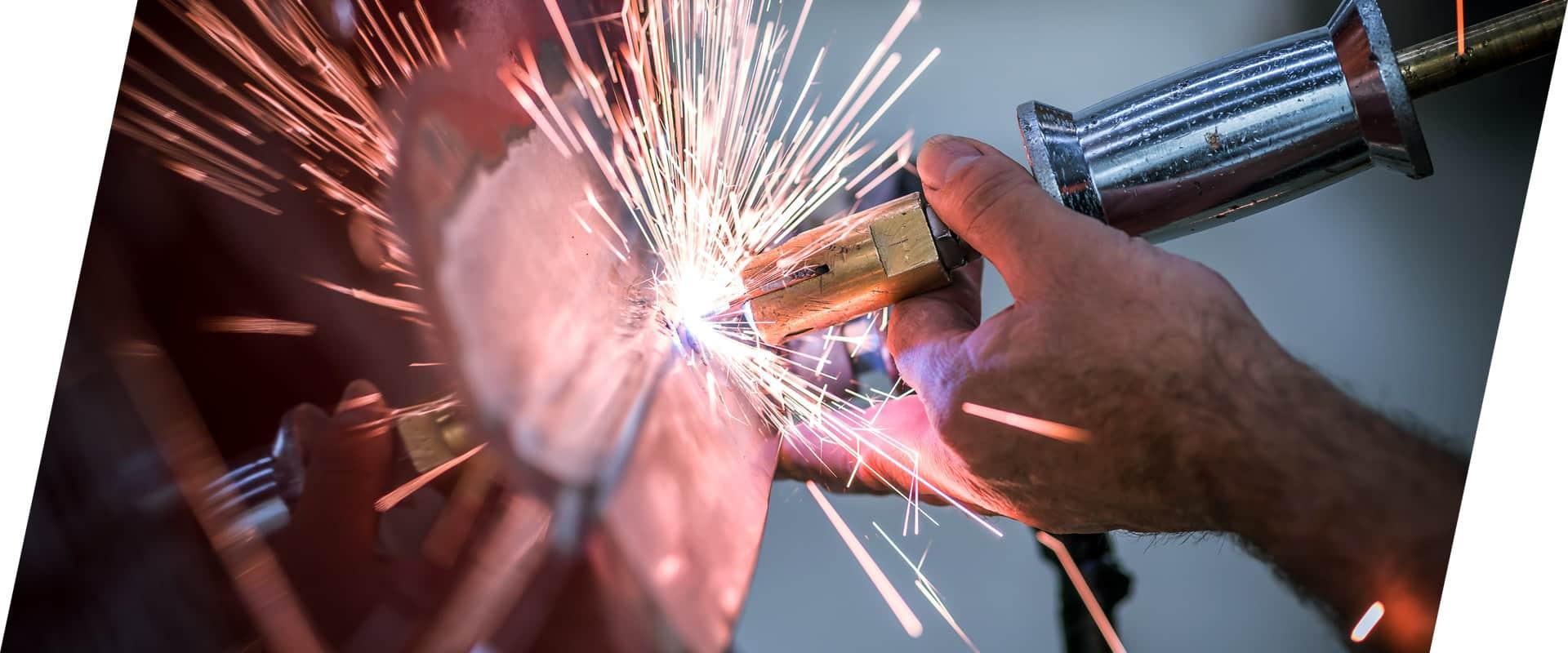Wir reparieren Fahrzeuge jeder Dimension im CarrosserieCenter Thal