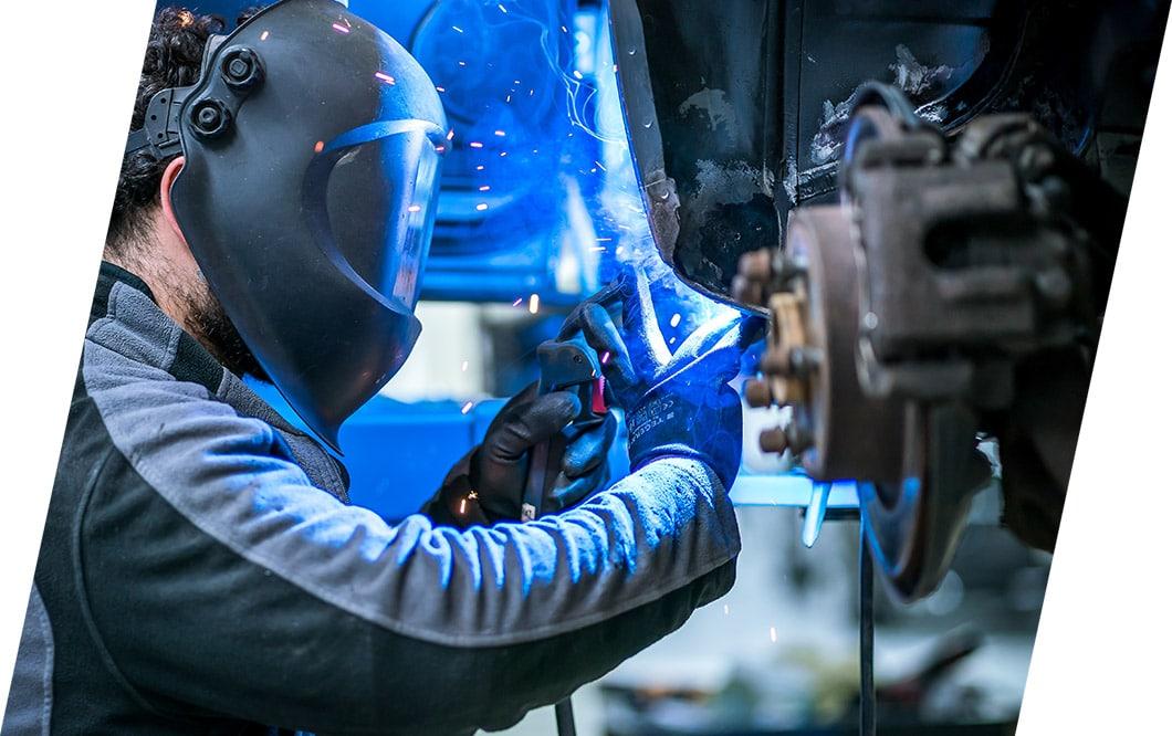 Reparaturen an Fahrzeugen jeder Dimension | CarrosserieCenter, Eugster AG, Thal